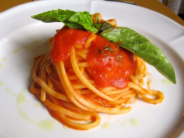 Spaghetti with tomato sauce, Calabria
