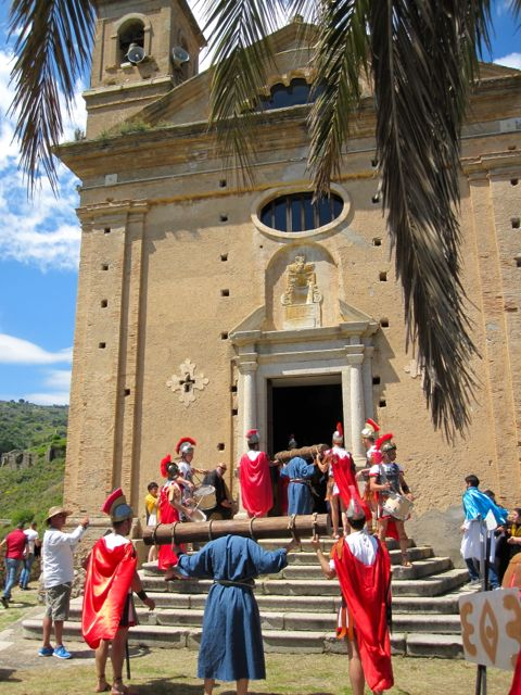 Easter in Calabria, Procession