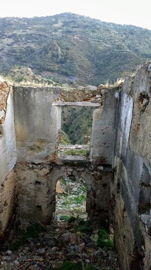 Amendolea, Calabria ghost town