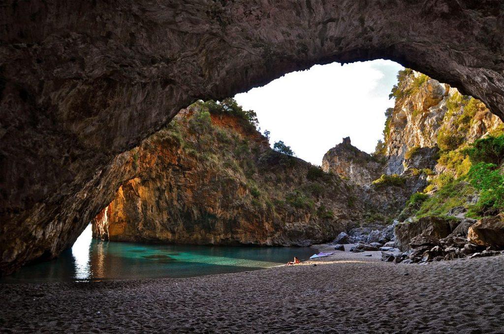 Arco Magno, Calabria