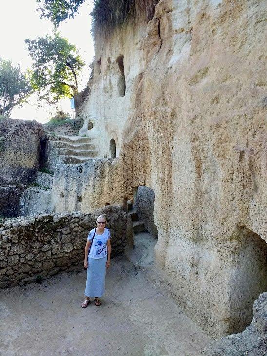 medieval cave dwellings