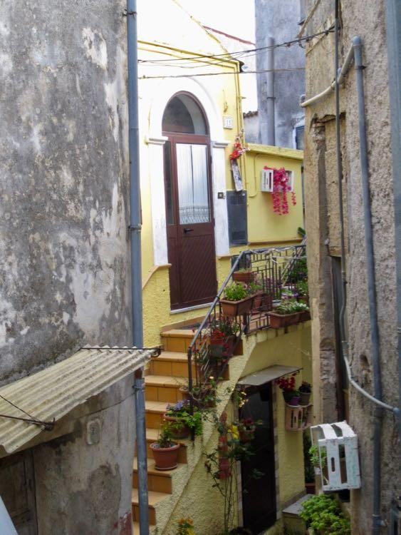 Morano Calabro, Calabrian village